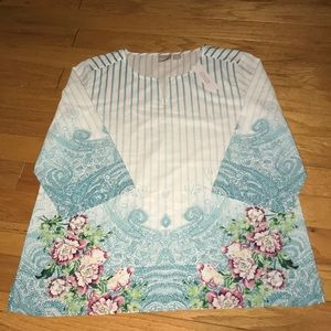 Chico's size 2 or Large shirt NWT
